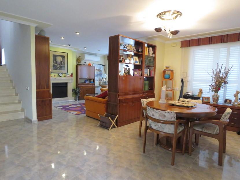 Dining room - 4 bedroom 3 bathroom Villa Marines