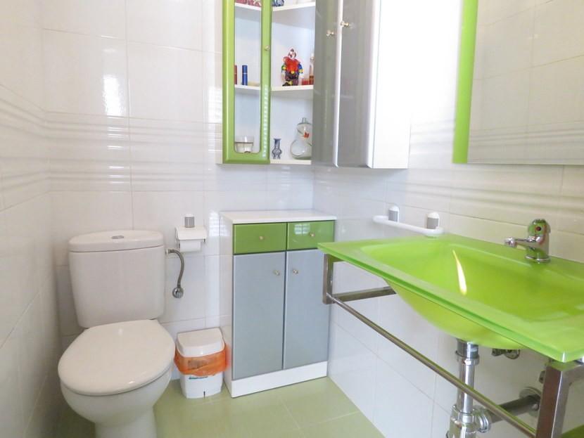 Guest toilet - 4 bedroom 3 bathroom Villa Marines