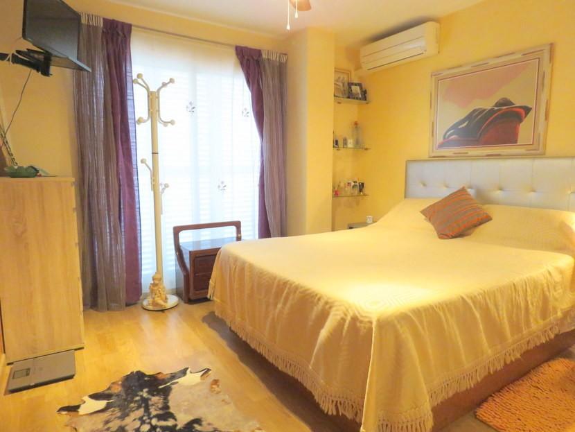 Master bedroom - 4 bedroom 3 bathroom Villa Marines