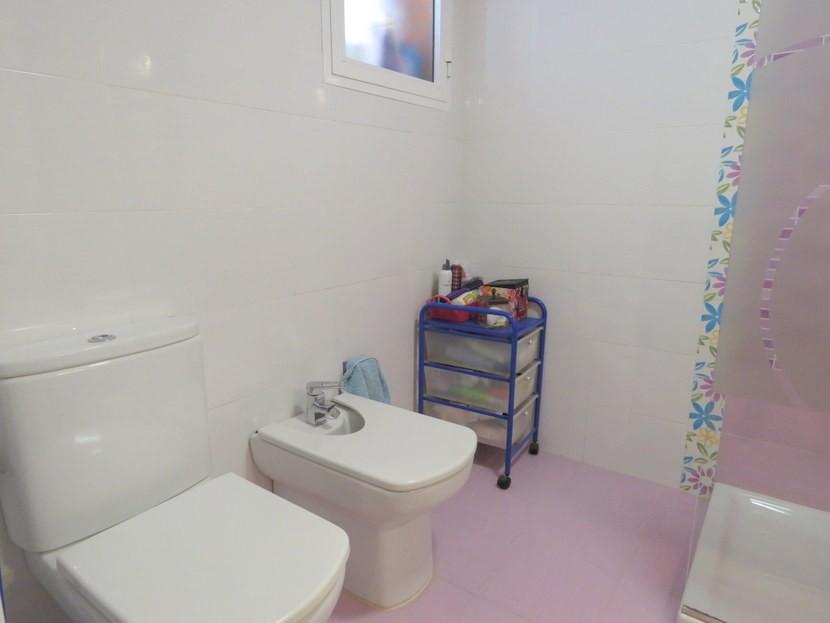 Ensuite - 4 bedroom 3 bathroom Villa Marines
