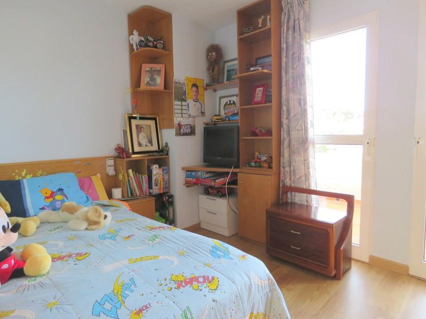 4th bedroom - 4 bedroom 3 bathroom Villa Marines