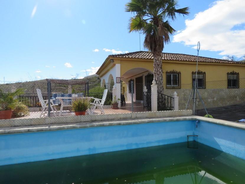 Pool  - 3 bed 1 bath Pedralba