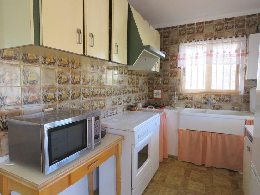 Kitchen  - 3 bed 1 bath Pedralba