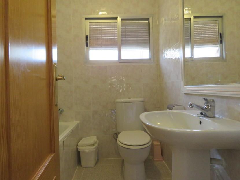 Bathroom  - 3 bed 1 bath Pedralba