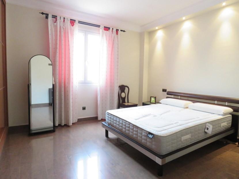 Master bedroom  - 5 bed 2 bathroom Almussafes