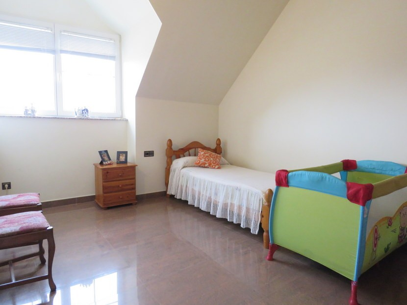 3rd bedroom  - 5 bed 2 bathroom Almussafes