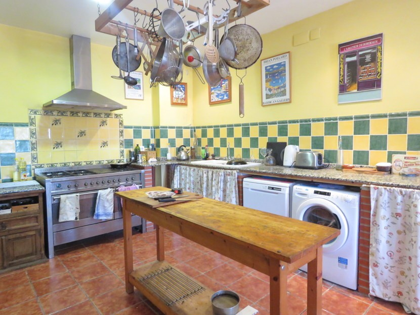 Kitchen  - 5 bedroom 2 bathroom villa Villamarchante