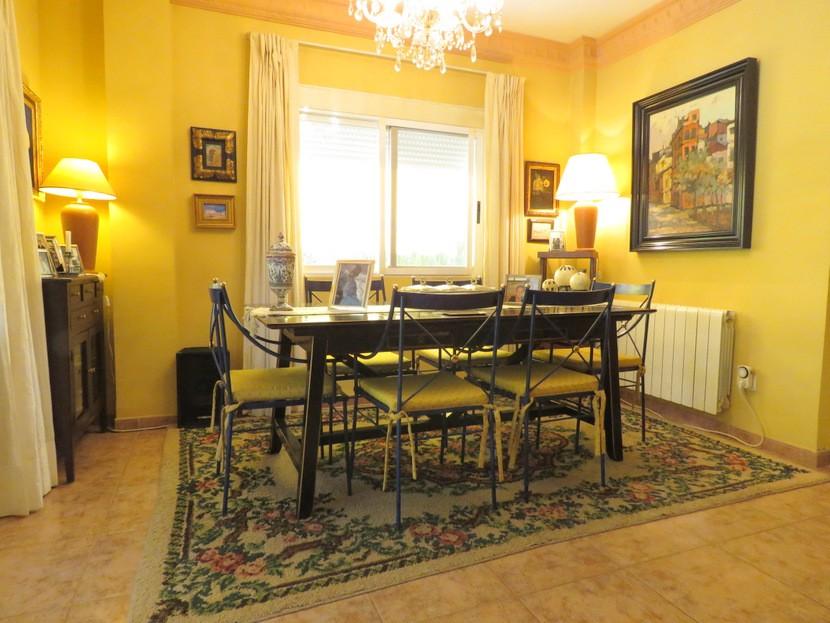 Dining room - 4 bed 2 bath Olocau