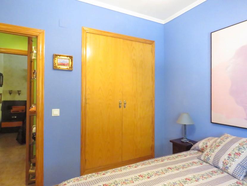 Built in wardrobes - 4 bed 2 bath Olocau