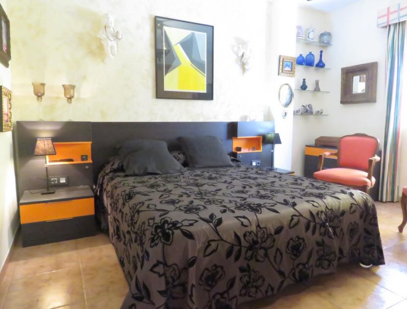 Master bedroom - 4 bed 2 bath Olocau