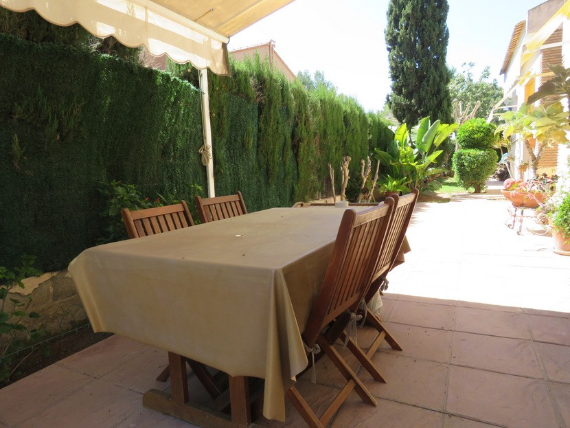 Table and chairs - 4 bed 2 bath Olocau