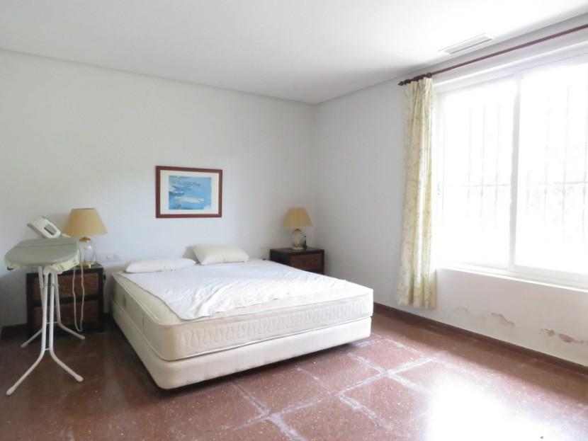 Master bedroom  - 7 bed 3 bath Picassent