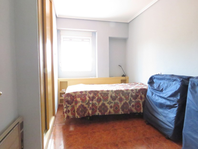 1st bedroom  - 4 bed 2 bath Olocau