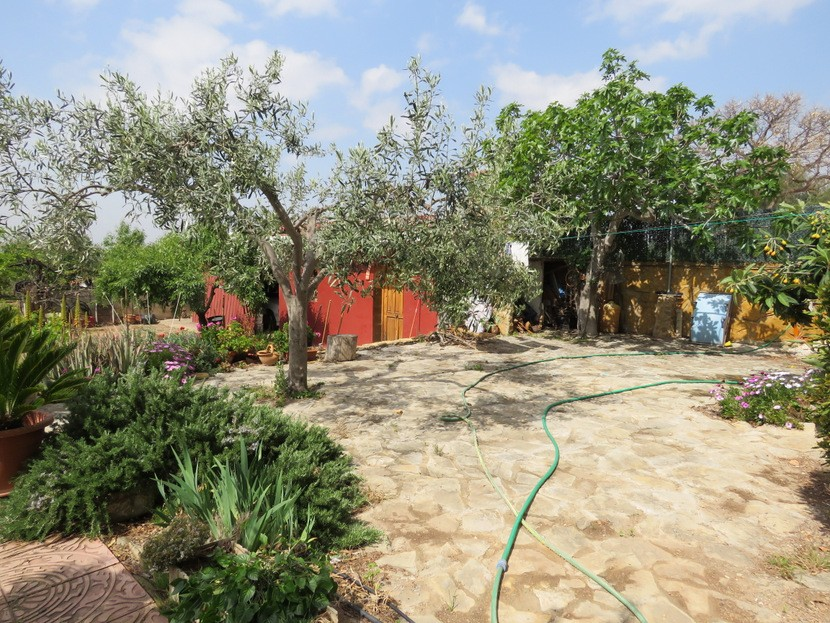 Garden  - 4 bed 2 bath Olocau