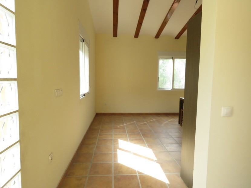 Entrance  - 3 bed 2 bath Olocau