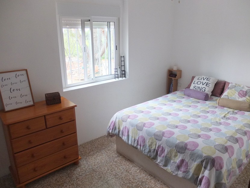 Master bedroom  - 2 bed 1 bath Olocau
