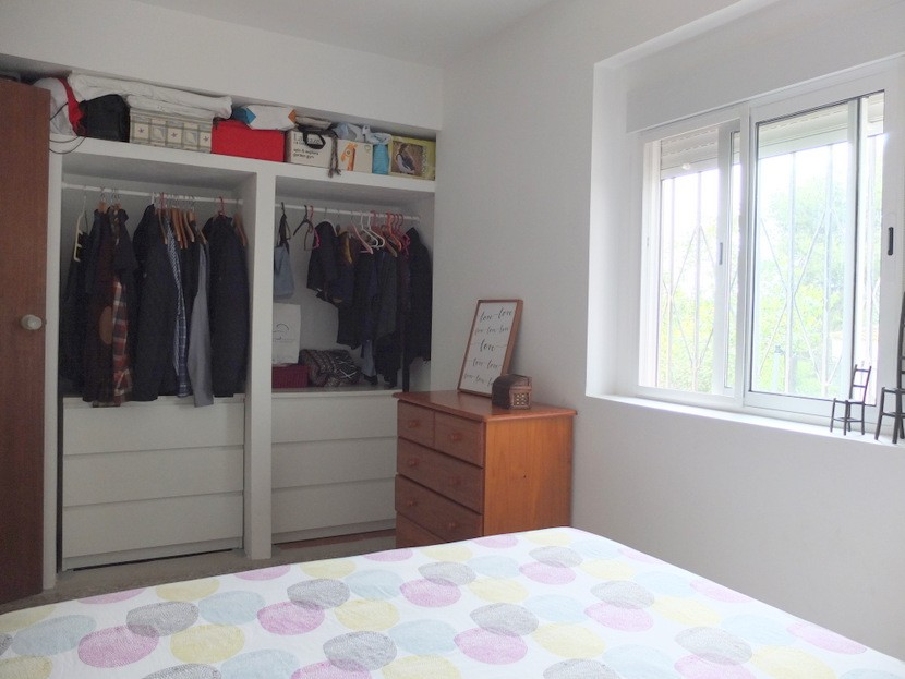 Built in wardrobes  - 2 bed 1 bath Olocau