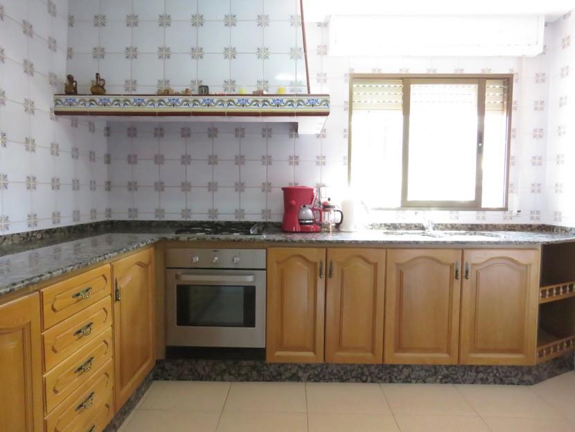 Kitchen  - 4 bed 2 bath Godelleta