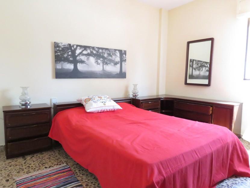 1st bedroom  - 4 bed 2 bath Godelleta
