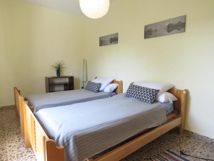 4th bedroom  - 4 bed 2 bath Godelleta