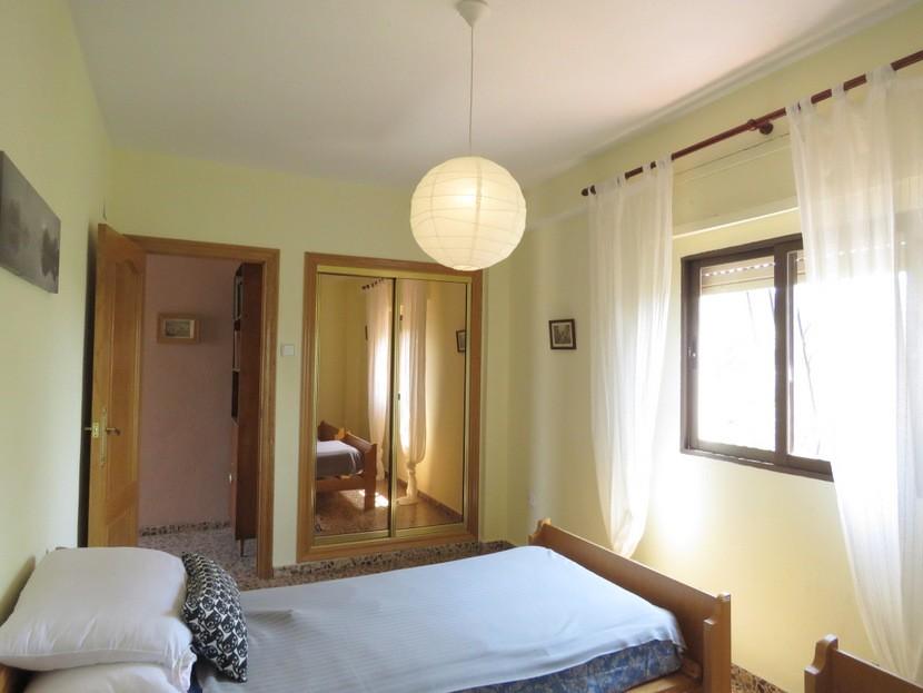 Built in wardrobes  - 4 bed 2 bath Godelleta