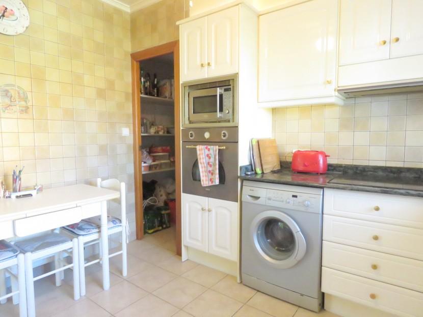 Kitchen - 6 bed 3 Montserrat