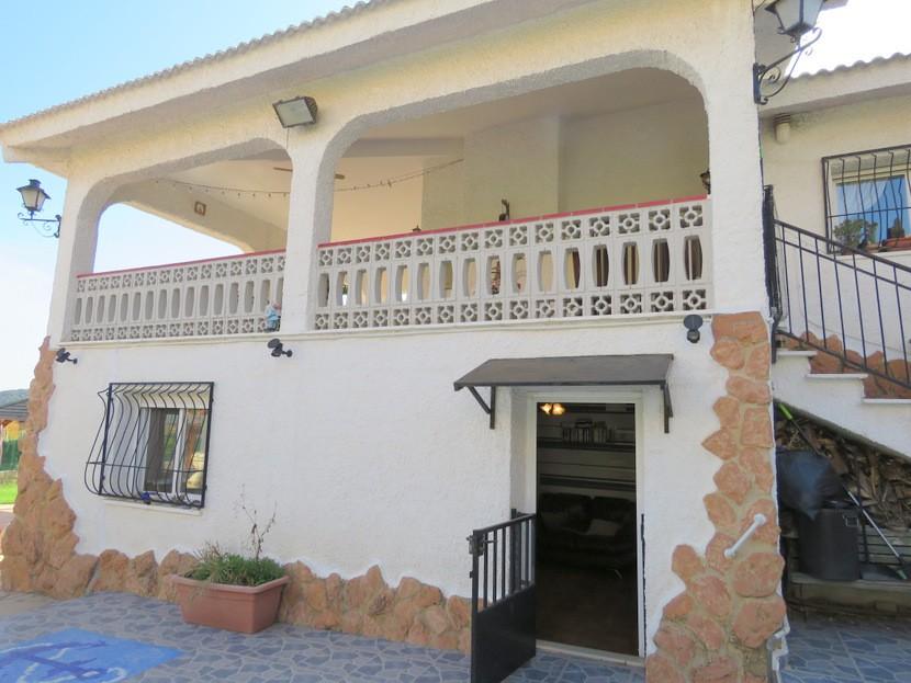 Separate accomodation - 6 bed 3 Montserrat