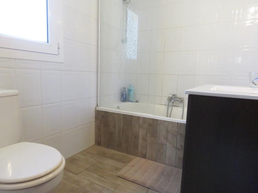 3rd bathroom - 6 bed 3 Montserrat