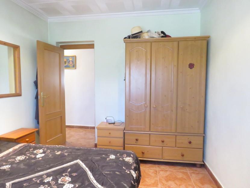 1st bedroom - 3 bed 1 bath Montroy