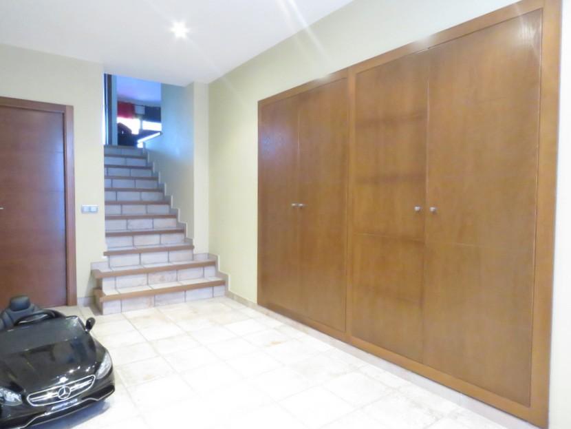 Entrance hall  - 4 bed 3 bath Alzira