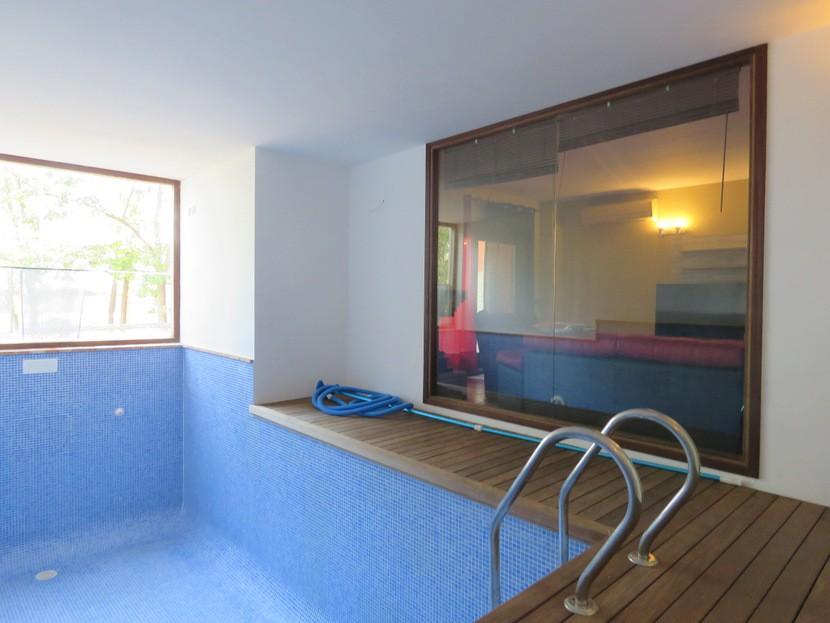 Indoor pool  - 4 bed 3 bath Alzira