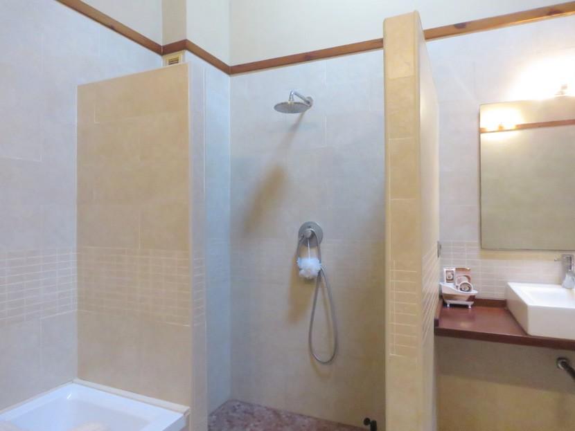 Ensuite  - 4 bed 3 bath Alzira
