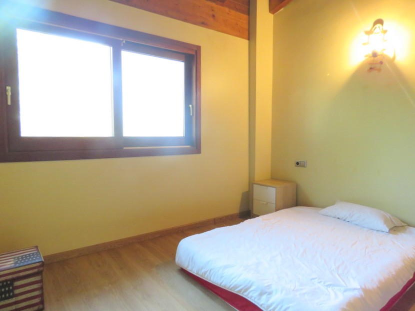 2nd bedroom  - 4 bed 3 bath Alzira