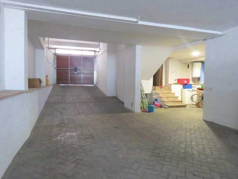 Garage  - 4 bed 3 bath Alzira