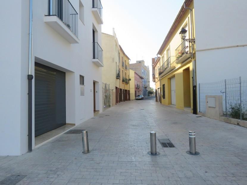 Street  - 4 bed 3 bath Alzira