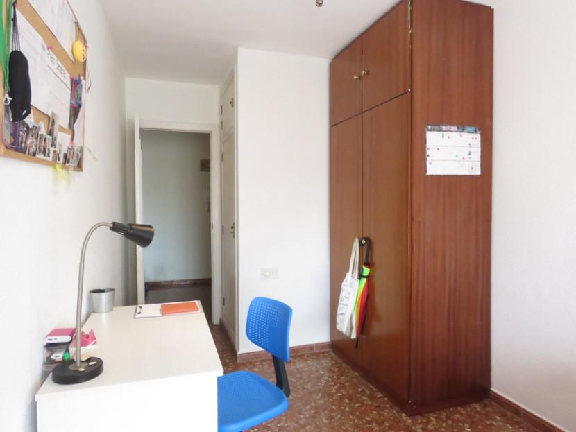 1st bedroom - 3 bed 2 bath Valencia