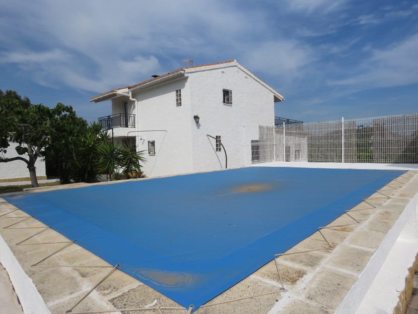 Pool view - 3 bed 2 bath Albalat