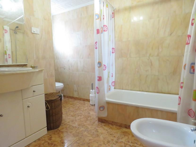 Downstairs bathroom  - 3 bed 2 bath Albalat