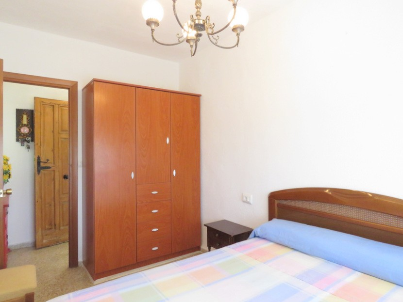 Wardrobes  - 4 bed 2 bath Domeño