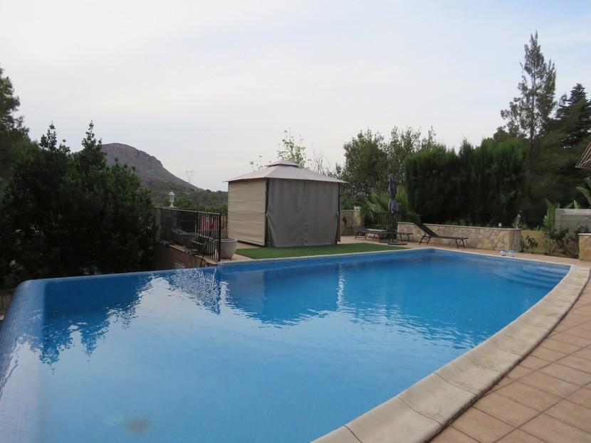 Pool view - 5 bed 2 bath Gilet