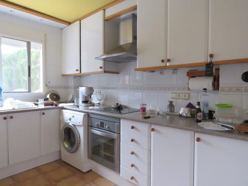 Kitchen - 5 bed 2 bath Gilet