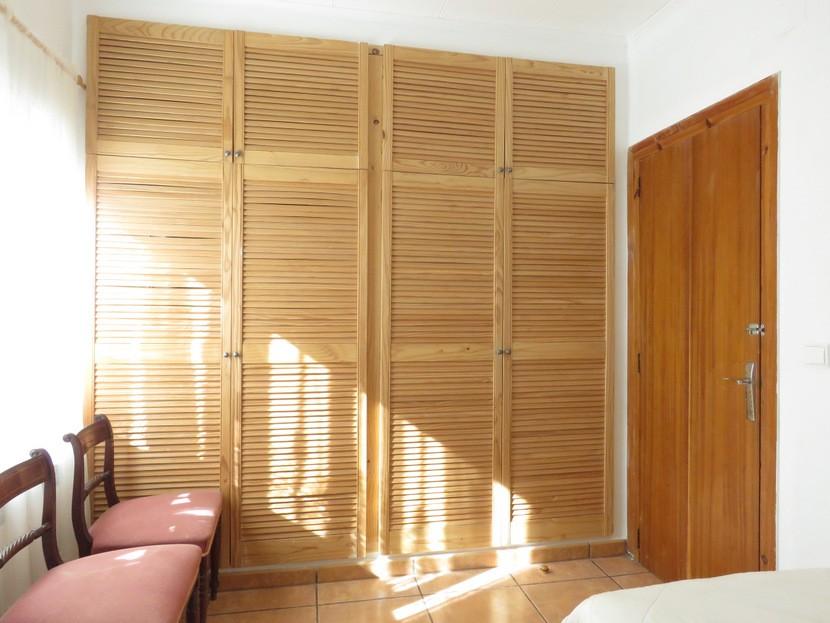 Built in wardrobes  - 4 bed 2 bath Torrente
