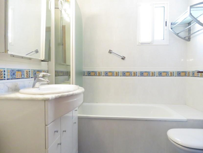 1st bathroom  - 4 bed 2 bath Torrente