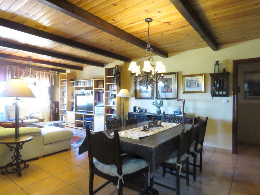 2nd living come dining room  - 4 bed 2 bath Torrente