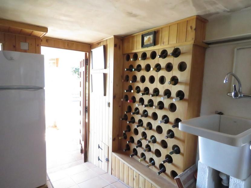 Wine cellar  - 4 bed 2 bath Torrente
