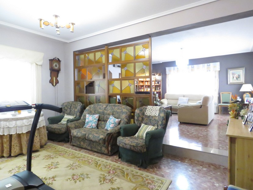 2nd living space - 6 bed 4 bath Lliria