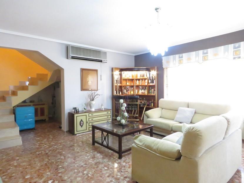 2nd living space - 6 bed 4 bath Lliria