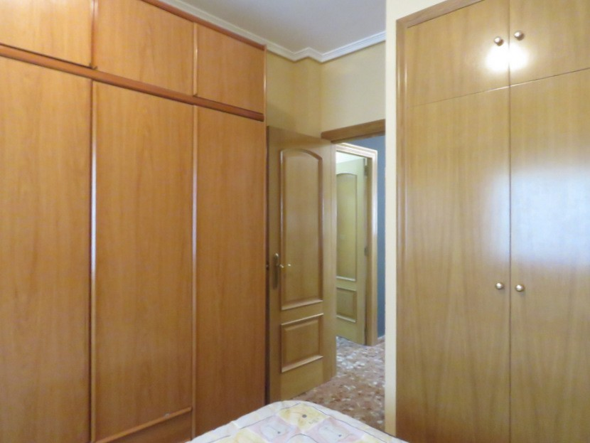 Built in wardrobes - 6 bed 4 bath Lliria