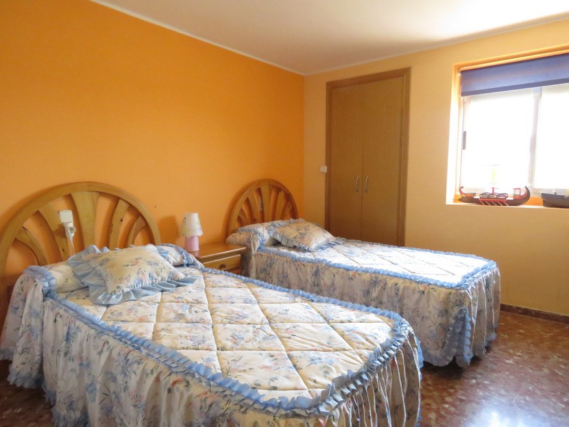 4th bedroom - 6 bed 4 bath Lliria