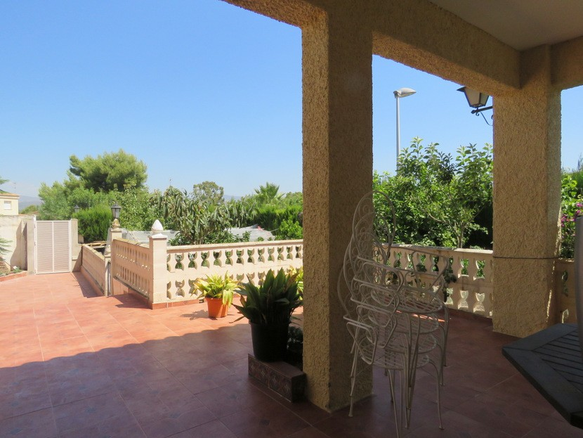 Front terrace - 6 bed 4 bath Lliria